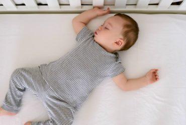 Votre nouveau-né ne dort pas ? Conseils pour le sommeil de bébé